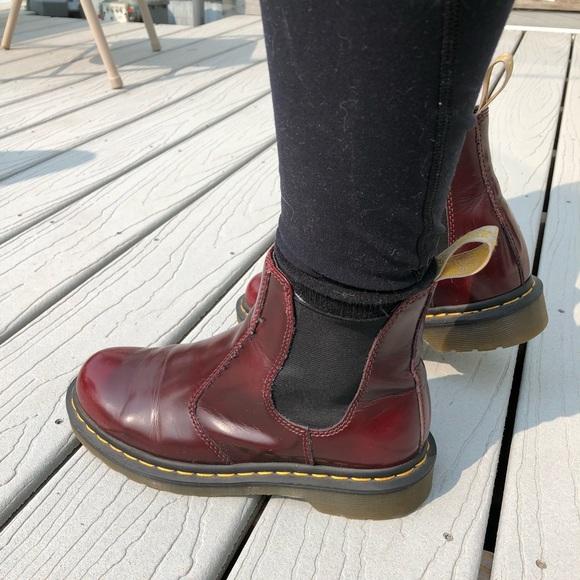 Dr Martens Women/'s Vegan 2976 Cambridge Brush Chelsea Boot Cherry Red